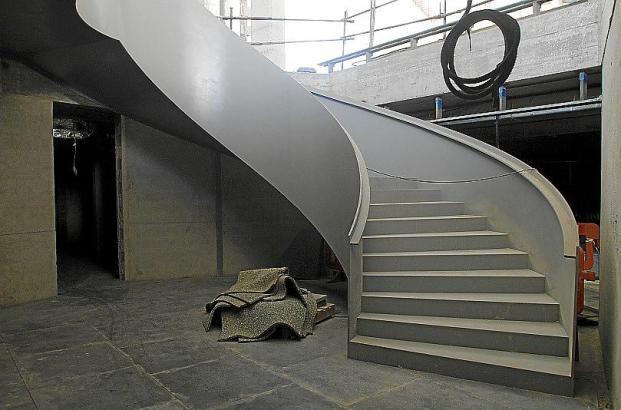 Diese Treppe führt im Tagungshotel des Kongresspalastes nicht nur Hotelgäste in den künftigen Spa-Bereich.