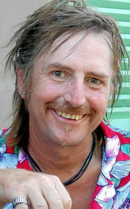 Martin Semmelrogge ist ein echter Typ, den die TV-Zuschauer seit Jahrzehnten aus den verschiedensten Produktionen kennen.