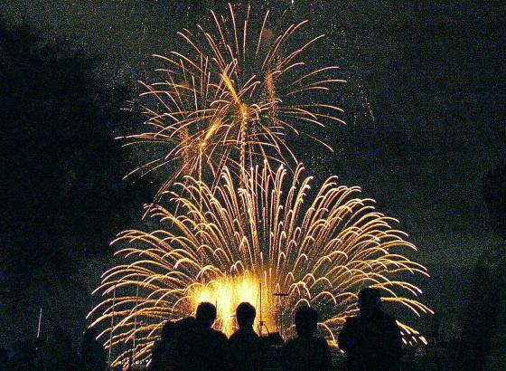 Schlusspunkt am Sonntag ist ein großes Feuerwerk über der Bucht von Cala Millor.