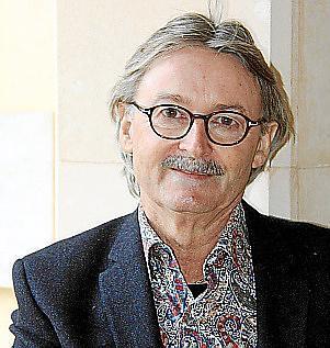 Der Regionaldirektor der Robinson Clubs in Spanien und Portugal, Monti Galmés wird für seine Verdienste um Mallorca geehrt.