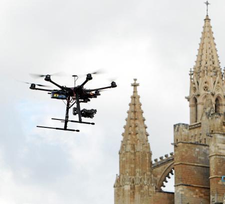 Hautnah dran oder aus der Vogelperspektive: Gerade für Fotografen bieten Drohnen ganz neue Blickwinkel.
