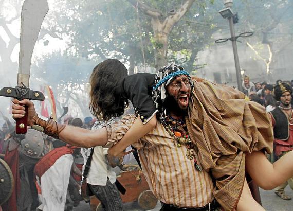 """""""Empörend"""": Ein Pirat raubt eine junge Christin."""