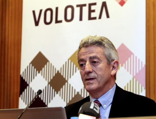 Volotea-Chef Lázaro Ros bei der Pressekonferenz in Palma de Mallorca.