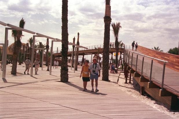 Seit 1999 auf dem Holzweg: Damals wurde die Meerespromenade in Port d'Alcúdia eingeweiht.