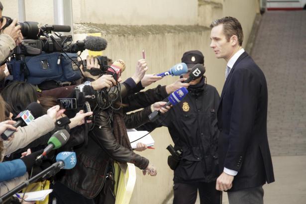 Das Archivfoto zeigt Iñaki Urdangarin im Februar 2012 in Palma de Mallorca auf dem Weg zu seiner Vernehmung durch das Ermittlung