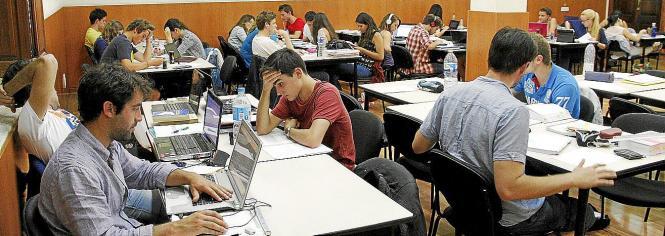 Lernen für die Prüfung. Dennoch: So viele Schulabbrecher wie auf den Balearen gibt sonst nirgends in Spanien.
