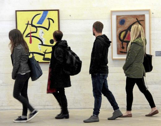 Die Bilder und Skulpturen entstanden in den 60er und 70er Jahren.
