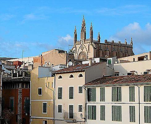 """Wie fast überall in Palma hat man auch in """"Calatrava"""" stehts eine Kirche im Blick."""