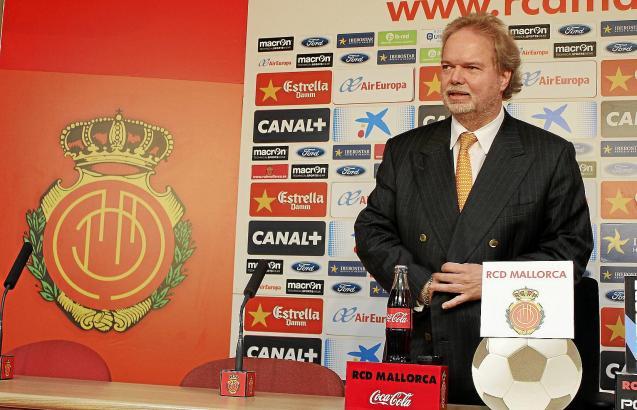 Utz Claassen auf der Pressekonferenz nach der folgenreichen Verwaltungsratssitzung.