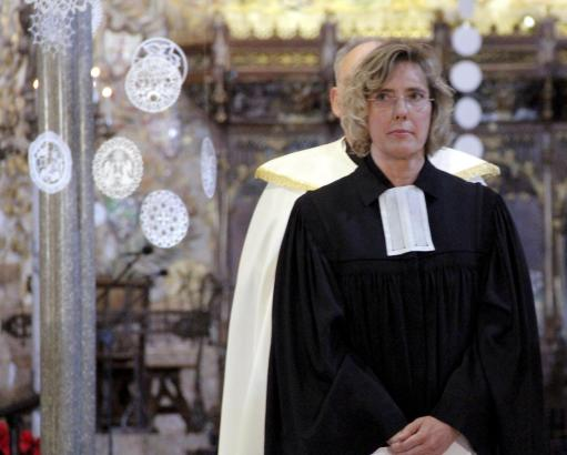 Pfarrerin Heike Stijohann in der Kathedrale von Palma de Mallorca.