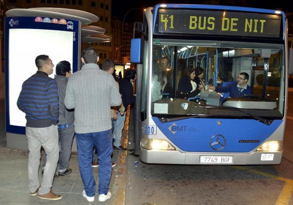 Der Nachtbus fährt in Palma am 1. Januar ab 1 Uhr in der Frühe.