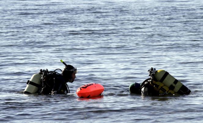 Marinetaucher beseitigten die Mörsergranate durch eine kontrollierte Sprengung.