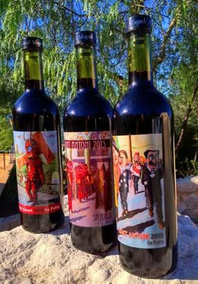Künstler Andreu Company hat für Castell Miquel die Etiketten einer limitierten Weinauflage gestaltet.