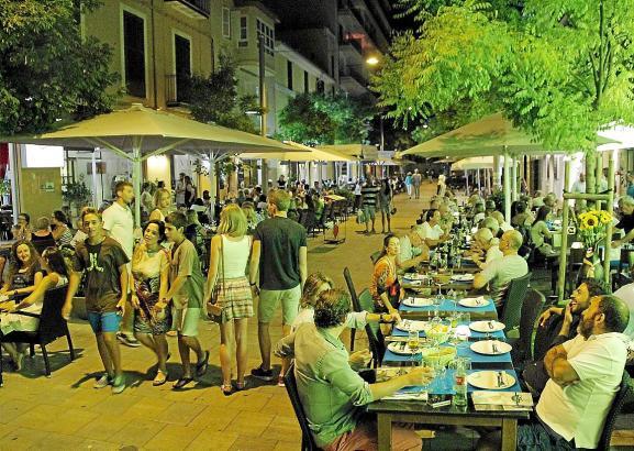 Vor allem im Sommer ist der Carrer Fábrica in Santa Catalina gut besucht - sehr zum Leidwesen der Anwohner.