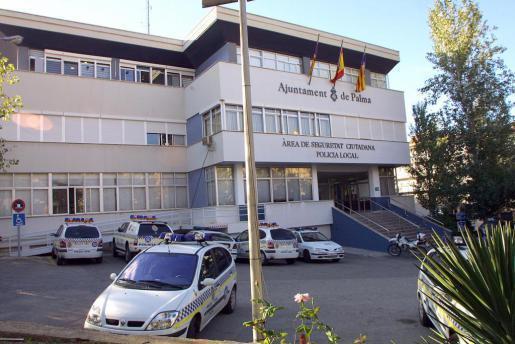 Das Präsidium der Lokalpolizei Palma in der Sant-Ferran-Straße. Hier wurde einer der Männer festgenommen.