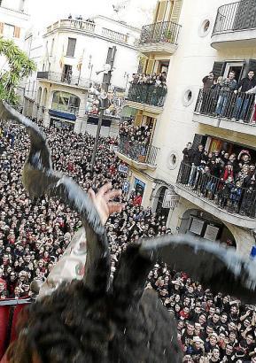 Ähnlich wie in Sa Pobla sind die Menschen zu Sant Antoni auch in Orten wie Manacor (Bild) zu Tausenden auf den Beinen.