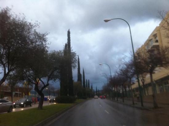 Auf dem Weg zur Arbeit, bei Regenwolken über Palma ...