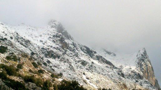 Mittwochmorgen im Tramuntana-Gebrige: Schnee!