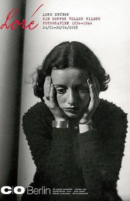 Das Plakat zur Ausstellung zeigt die junge Lore Krüger.