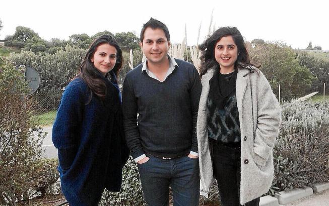 Griechen auf Mallorca (v.l.): Anthi Stefany, Paschalis Kalogeras, Natasa Gkonti.