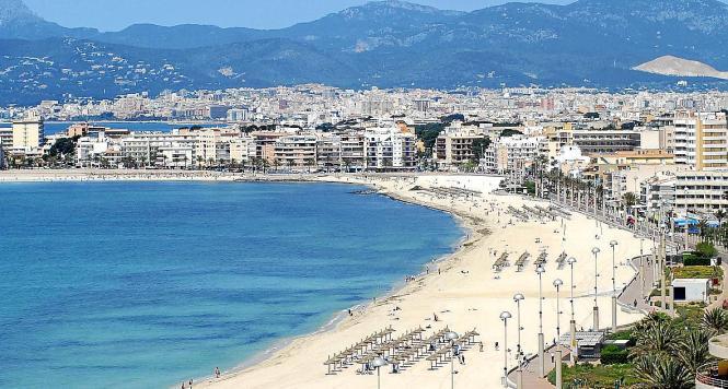 Die Playa de Palma aus der Möwenperspektive.