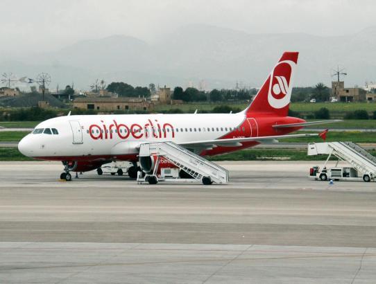 Eine Air-Berlin-Maschine am Flughafen von Palma.