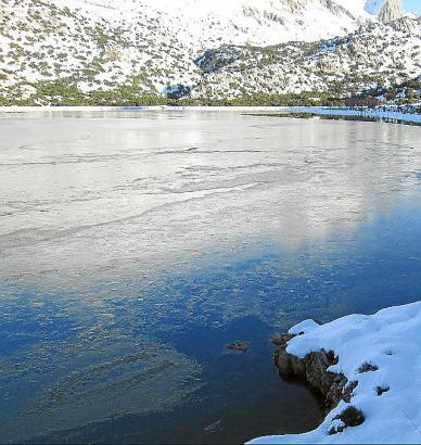Eisig: Einer der Stauseen im Tramuntana-Gebirge.