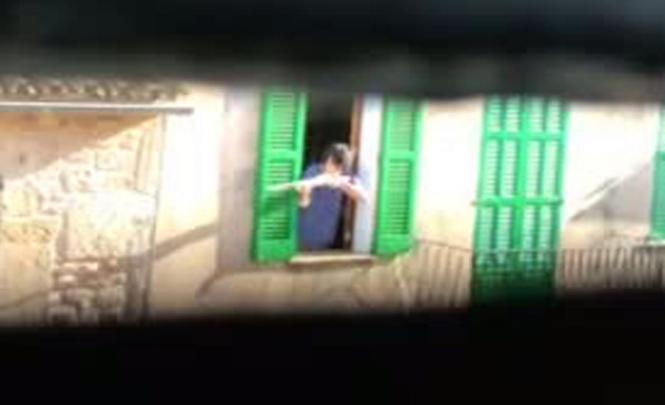 Martí C. bedrohte vom Fenster aus Passanten mit einem Gewehr.