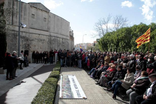 Gedenkveranstaltung für die Opfer des Spanischen Bürgerkrieges auf Mallorca am Friedhof von Palma.
