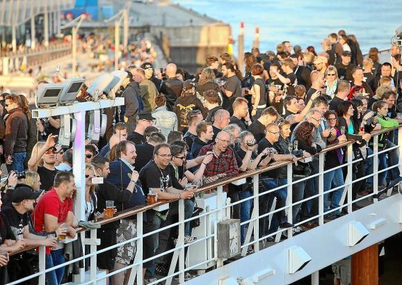 """Bereits im vergangenen Jahr begeisterte die """"Full Metal Cruise"""" mehrere Hundert Fans."""