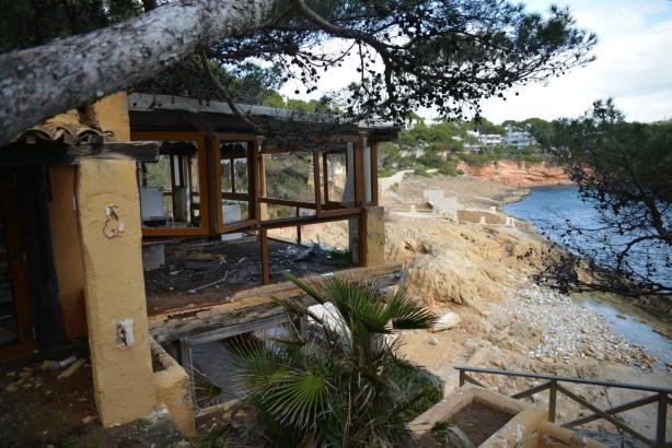 Die Ruine des Mola Clubs in der Cala Marmacén auf Mallorca ärgert nicht nur Anwohner.