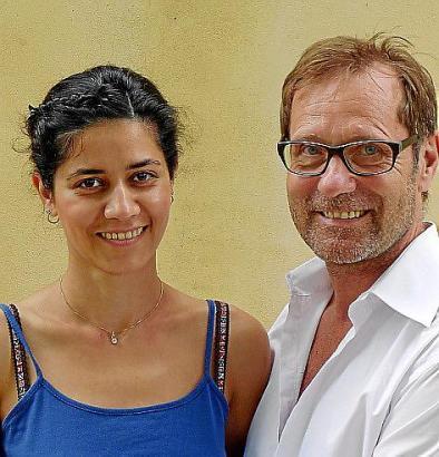 Michael Horbach mit seiner Lebensgefährtin, der Künstlerin Pari Moradi.