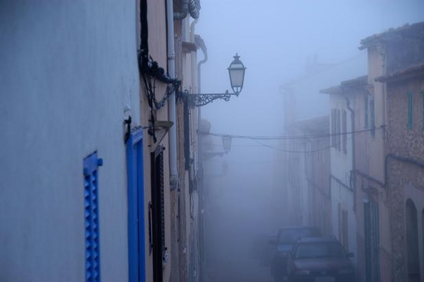 Über Artà im Nordosten Mallorcas senkte sich am Mittwochnachmittag zäher Nebel.