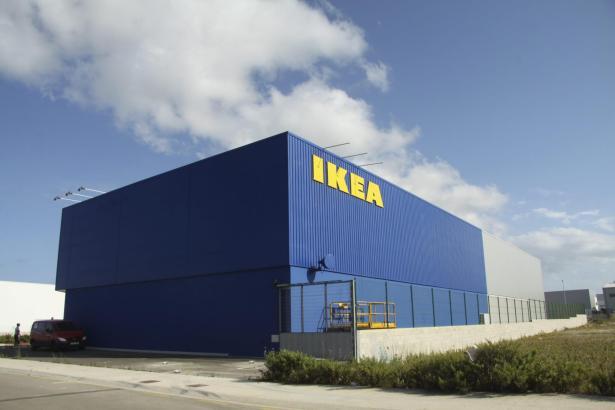 Auf Menorca (Bild) und Ibiza hat Ikea in den letzten Jahren neu eröffnet, auf Mallorca soll nun ein Umbau folgen.