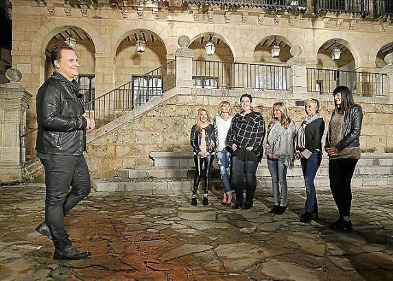 Mit verbliebenen sechs Kandidatinnen war Guido Maria Kretschmer in Palmas Pueblo Español.