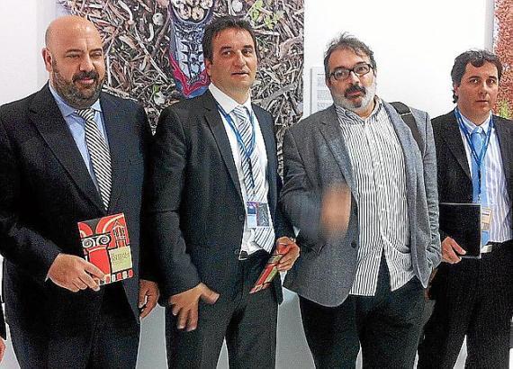 Präsentierten das diesjährige Musikfestival auf der ITB in Berlin (v.l.): Tourismusminister Martínez, Alkalde Cifre, Künstlerisc