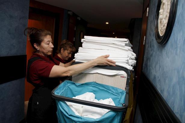 Gesucht wird vor allem Servicepersonal für die Hotels.