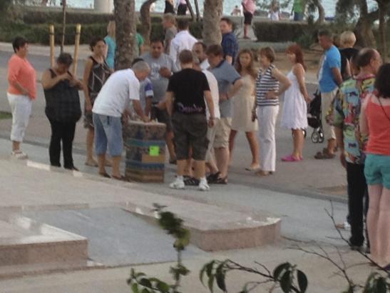 Das Hütchenspiel gehörte an der Playa de Palma bisher zum Straßenbild. Der Druck auf die Organisatoren nimmt aber zu.