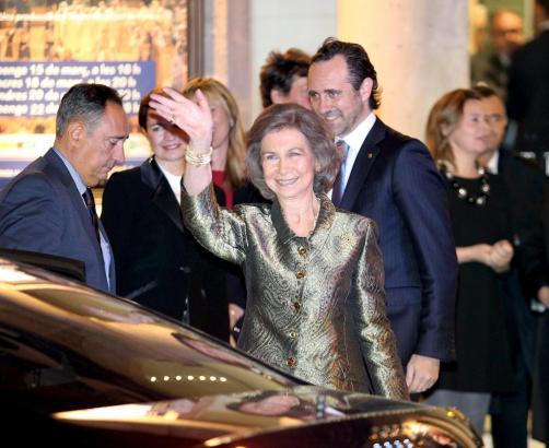 Königin Sofía am Donnerstagabend in Palma. Hinter ihr: Ministerpräsident José Ramón Bauzá.