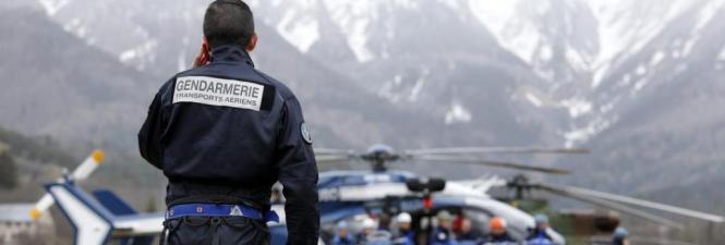 In den französischen Alpen gehen die Bergungsarbeiten weiter.