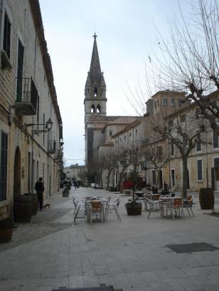 Das Weindorf Binissalm im Zentrum von Mallorca ist um einen Einwohner reicher.
