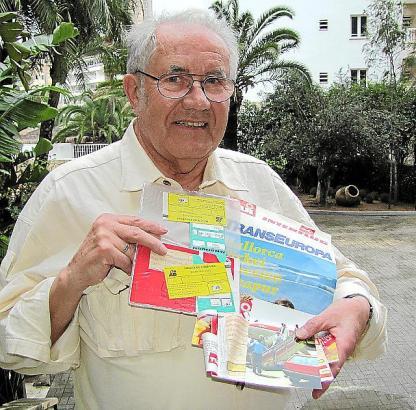 Horst Teichmann vor ein paar Tagen in Calamajor. Die Dokumente seiner ersten Reise ins westliche Ausland hat der Sachse seit 199