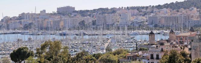 Palmas Wasserfront, von El Molinar über Es Jonquet (Foto Vordergrund) und Santa Catalina bis Porto Pi, ist bei schwedischen Immo