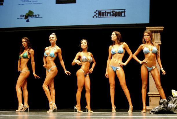 Braungebrannt und fit: Die Damen konnten sich im Bikini sehen lassen.