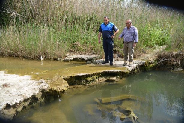 Auf der Suche nach der Ursache für den Gestank in Port d'Andratx.