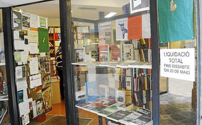 Die Räume der Buchhandlung Llibres Mallorca.