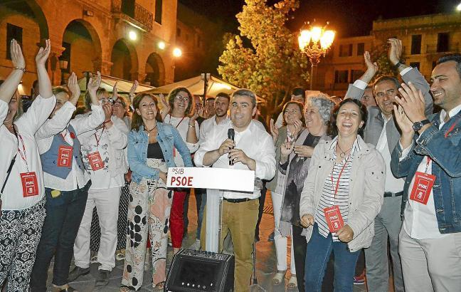 In Inca in der Inselmitte Mallorcas war die PSOE in Feierlaune.