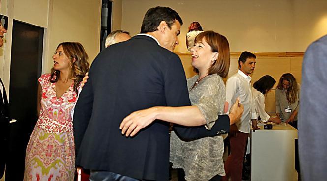 Die balearische Sozialisten-Chefin Francina Armengol wurde am Montag in Madrid vom spanischen PSOE-Generalsekretär Pedro Sánchez