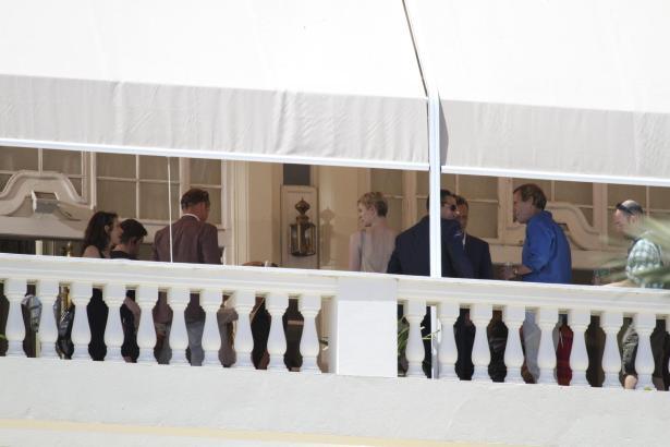"""Hugh Laurie (""""Dr. House"""",  im blauen Hemd) beim Dreh einer Szene in Palma."""