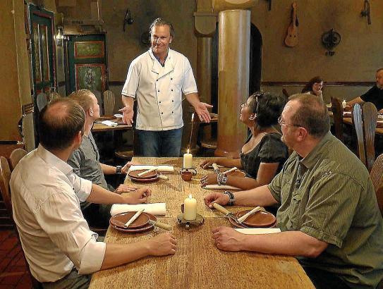 """In """"Mein Lokal, Dein Lokal - Wo schmeckt's am besten?"""" kämpfen Mallorca-Gastronomen oder Restaurant-Mitarbeiter gegeneinander."""